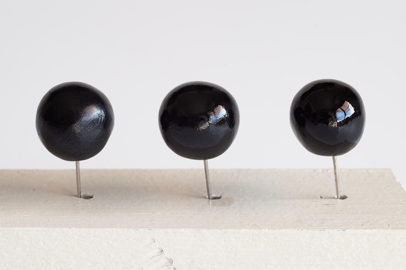(左) フィモ専用ニス (中央) ウレタンクリヤー (右) 特製うるし